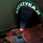 L'enfant dans sa tente